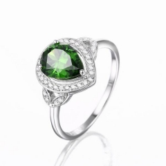 Anillo de color esmeralda cz